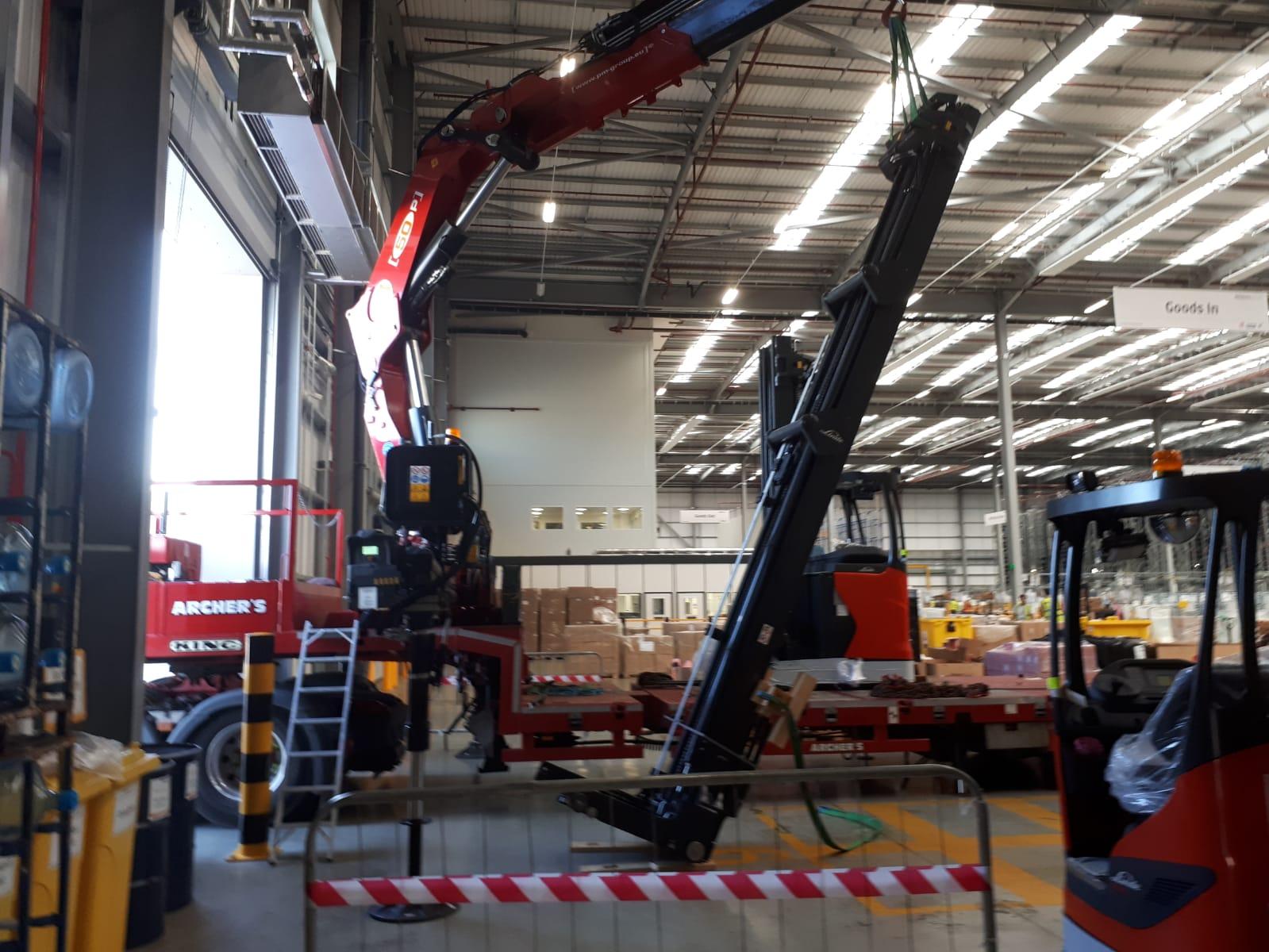 crane mast erect